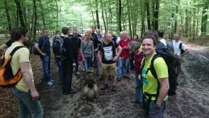 Etwa die Häfte der Gruppe wählte die zweite Route.