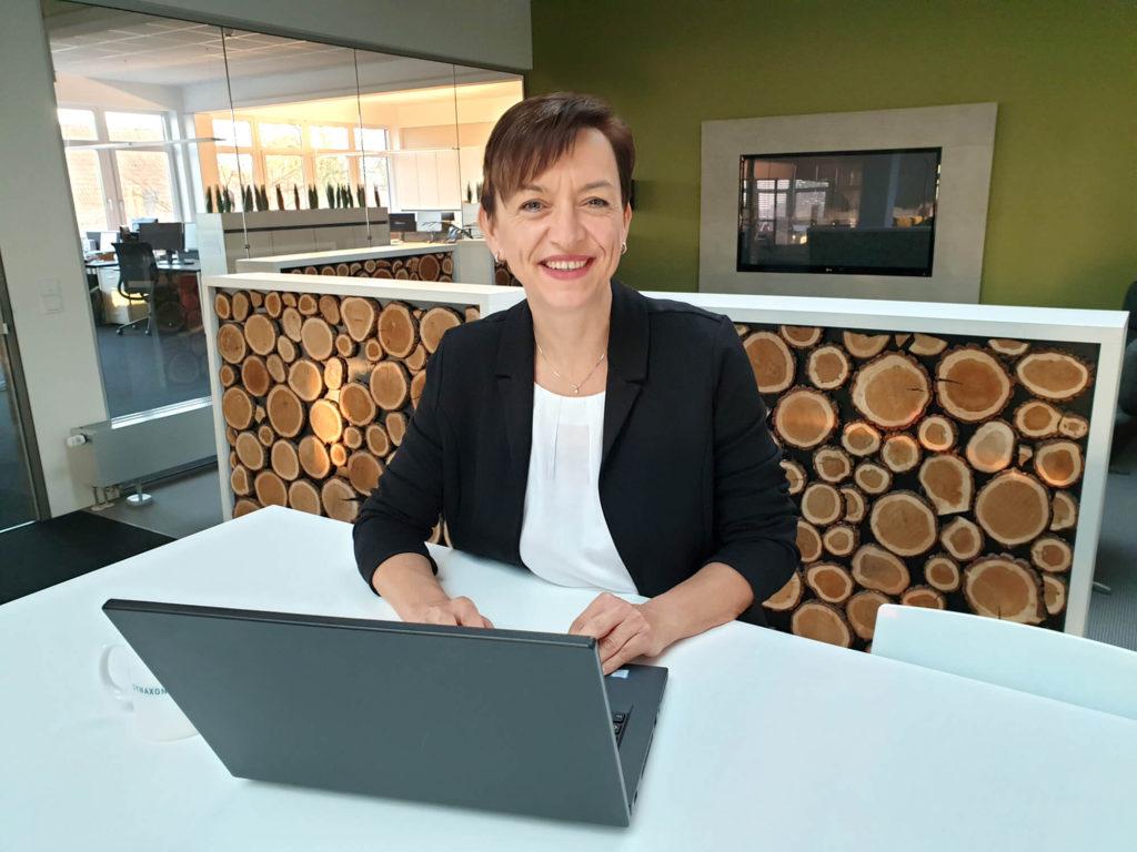 Weibliche Führungskraft, Frauke Gülker, PC-SPEZIALIST. Bild. SYNAXON AG