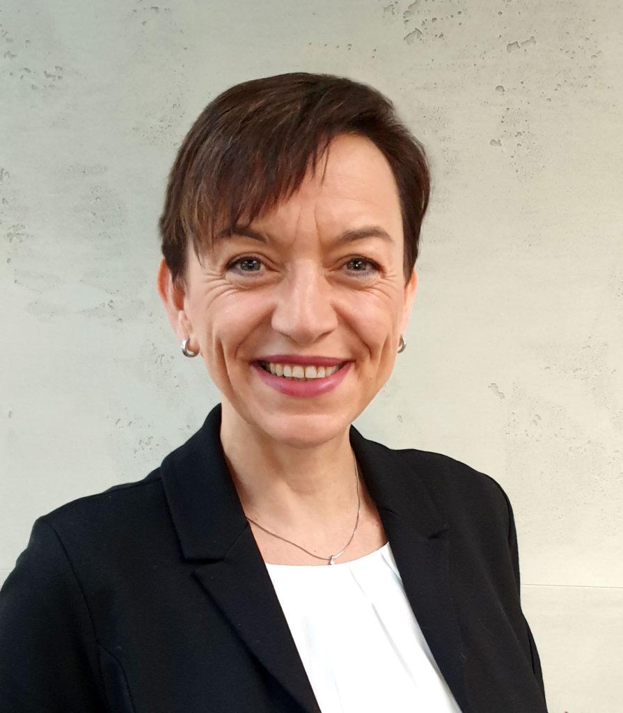 Weibliche Führungskraft Frauke Gülker, Teamleitung PC-SPEZIALIST. Bild: SYNAXON AG
