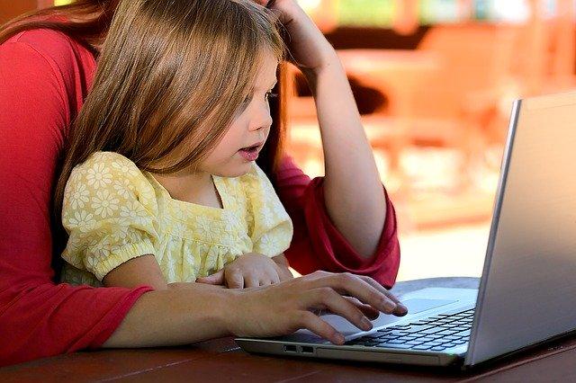 Home Office mit Kindern, keine leichter Aufgabe. Bild: Pixabay